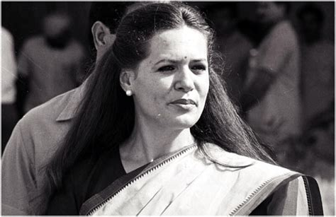 biography sonia gandhi in hindi sonia gandhi born edvige antonia albina m 224 ino panindiahindu