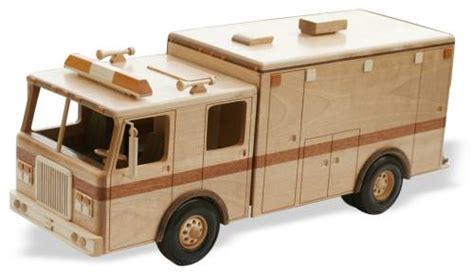 Wooden Skrew Truck heavy duty ambulance 20 inches woodworking pattern
