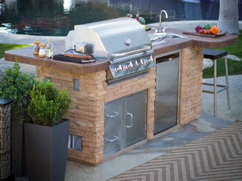 how to integrate an modular outdoor kitchen
