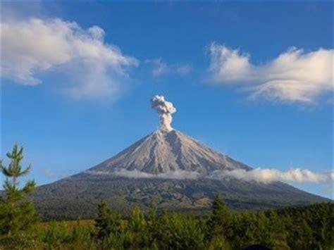 gambar gunung gunung api di indonesia gambar gunung merapi auto design tech