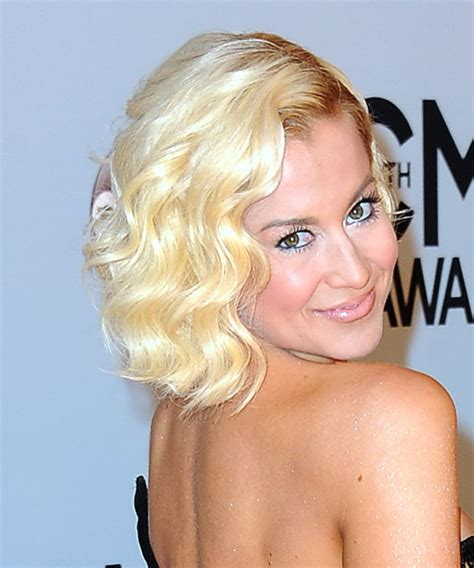 what face shape is kelly pickler shape for pickler kellie pickler supports lung cancer
