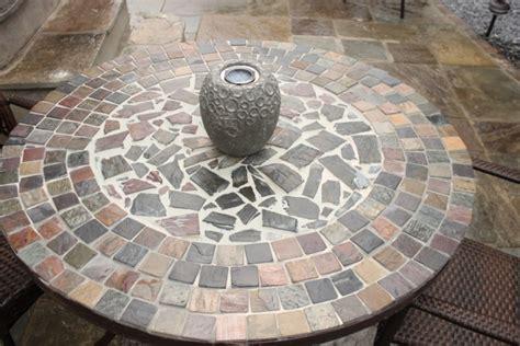 Viereckigen Garten Gestalten by Ein Diy Gartentisch Im Mosaikdesign Als Deko F 252 R Den Garten