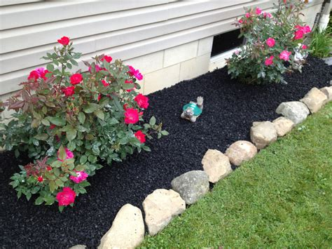 how to mulch flower beds black mulch m l hector lawncare