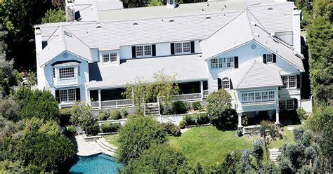 ashton kutcher and mila kunis house ashton kutcher mila kunis purchase new 10 million dollar