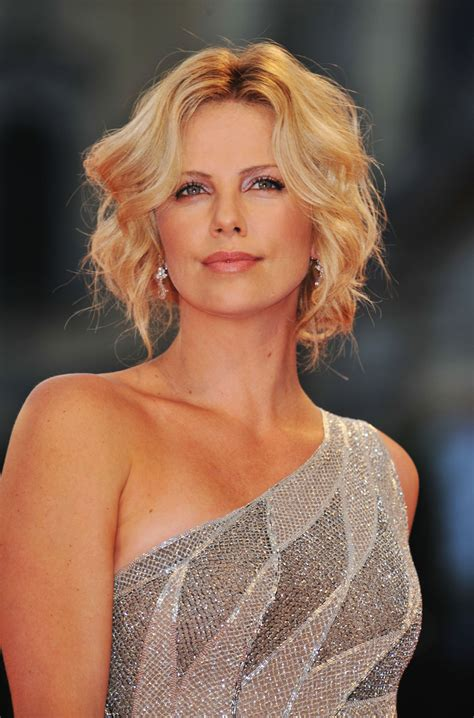 Charlize Theron Pretends To Model by Model Charlize Theron Wallpapers 6617
