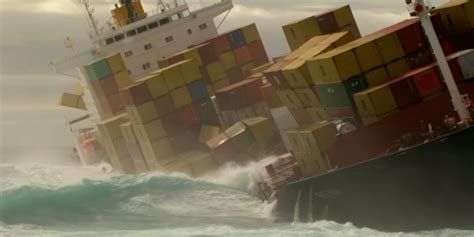Truk Kontainer Aquarium thousands of containers fall ships every year what