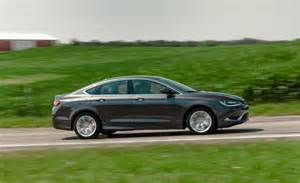Chrysler 200 Limited 2015 Review 2015 Chrysler 200 Limited Photo