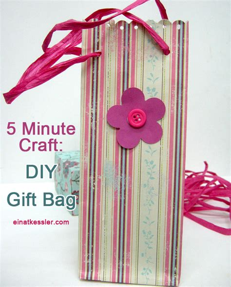 5 minute crafts for scrappin it 5 minute craft gift bag