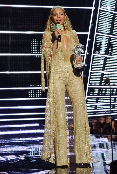 Enter To Win Mtv Goes Gold New Years 2007 Give Away by Beyonce Takes Home Best And Of The Year