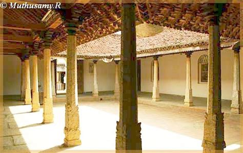 dakshinachitra inerior courtyard  merchants house  chettinad tamilnadu india travel