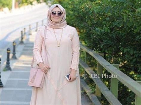 Gamis Wanita Gendut fashion muslim model gamis modern ini bikin wanita gemuk lebih modis jatengpos
