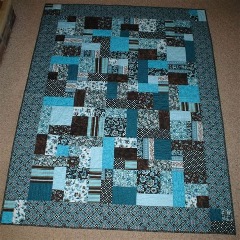Brick Road Quilt Pattern by Yellow Brick Road Quilt Blue W Squares In Border