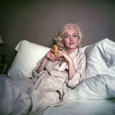 marilyn monroe bed marilyn bed sitting photo by milton greene 1953