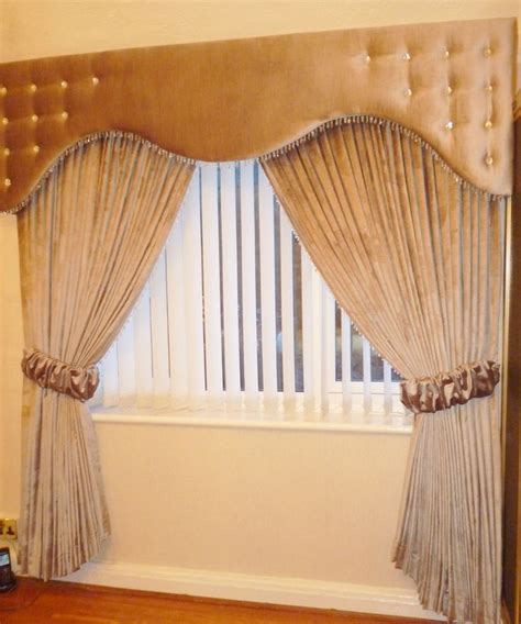 ideas for curtain pelmets 12 best images about shaped style on pinterest blue