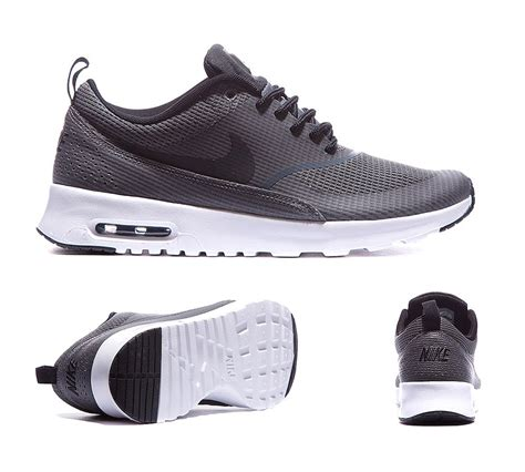 Nike Sweeper Text Grey White nike womens air max thea text trainers grey black and white 96704