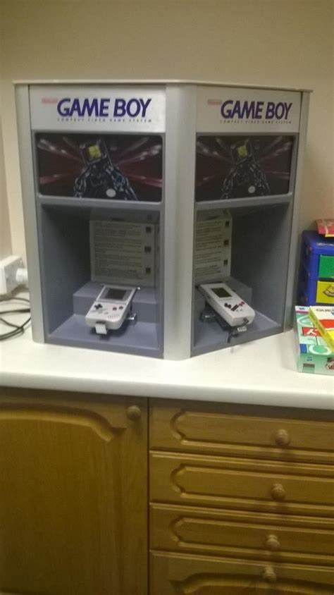 room gba my friend sent me this from a witness waiting room at crown court uk gaming