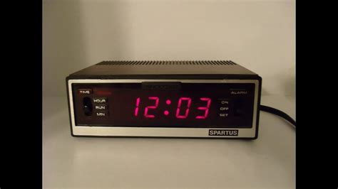 vintage spartus comet ii digital alarm clock faux wood grain iconic alarm sound