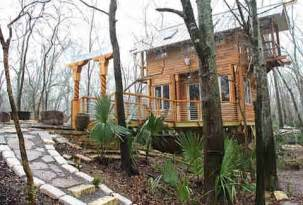 airbnb boats atlanta greatest treehouses to rent on airbnb thrillist