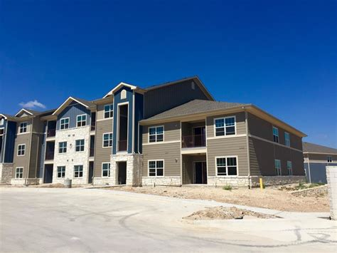 3 Bedroom Apartments Austin Tx the pointe at ben white austin tx apartment finder