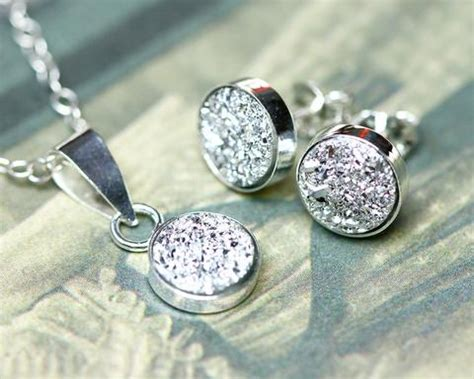 Growing Jewelry Eco Friendly Or Pointless by How To Clean Silver Jewelry The Eco Friendly Way Tips
