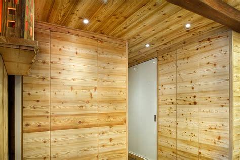 soffitto in legno lamellare cheap foto soffitti con travi in legno faretti travi