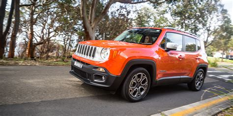 jeep sub jeep keen on sub renegade suv report photos 1 of 2