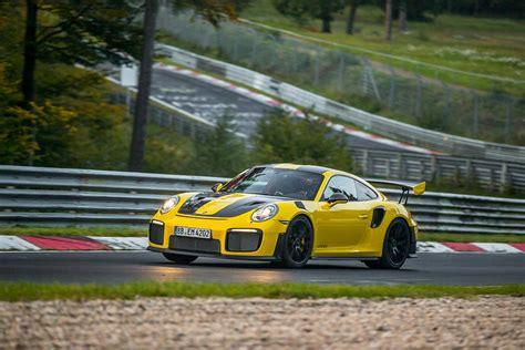 Porsche Viert Rig by Holy Smokes Der Neue 911 Gt2 Rs Rast Durch Die Gr 252 Ne