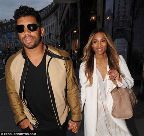 wedding ring daily ciara shows wedding ring in with