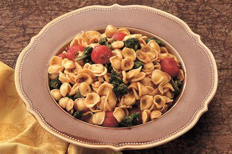 cucinare orecchiette ricetta orecchiette ai broccoli la cucina italiana