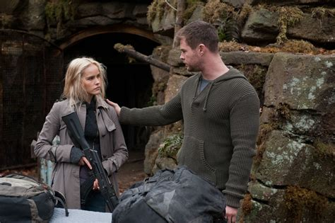 red awn red dawn movie 2012 images red dawn hd wallpaper and