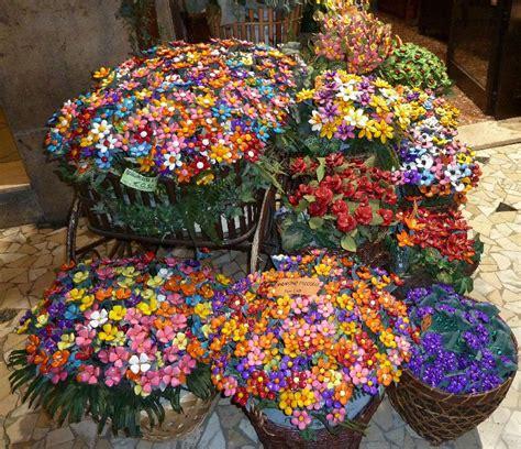 fiori di confetto sulmona pelino confetti sulmona composizioni floreali di