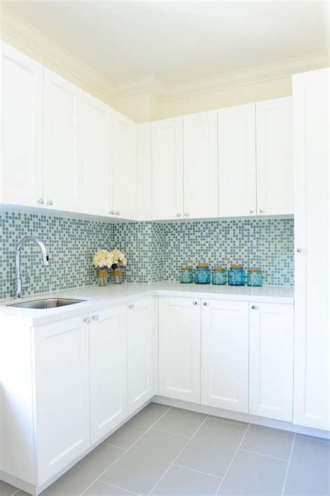 turquoise glass backsplash aqua mosaic tiles design ideas