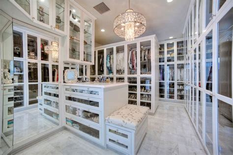 Best Walk In Closets In The World by Step In The Luxury Of A Closet Gulf Luxury