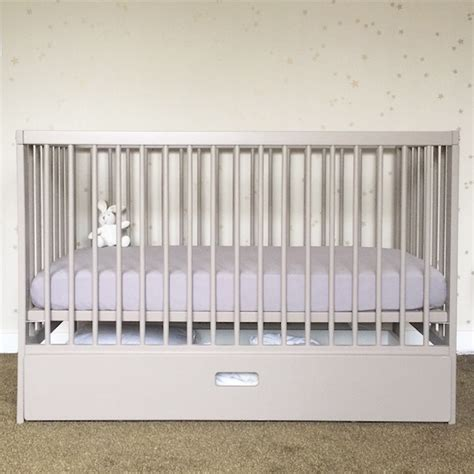 Crib Or Cot by From Crib To Cot The Mokee Baby Bed The Uphill