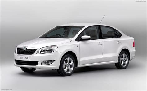 skoda rapid 2012 widescreen car picture 01 of 12