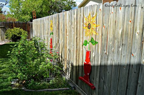 Hometalk   Sunflower Fence Art Using Repurposed Table
