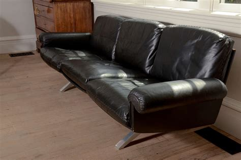 black sofa legs 1970 s de sede black leather sofa on chrome legs at 1stdibs