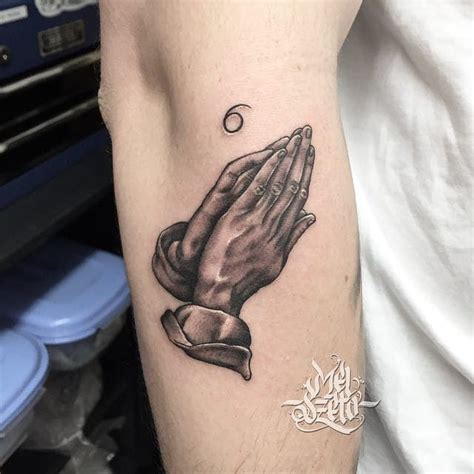 15 beautiful praying hands tattoos tattoodo