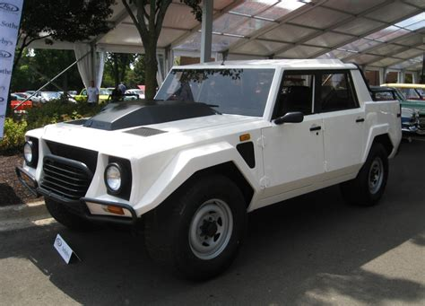 lambo jeep the first ultra luxury suv the lamborghini lm002