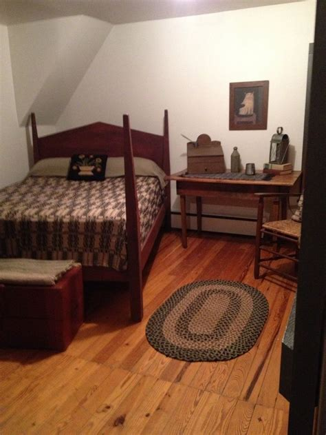 Primitive Bedroom Furniture 98 Best Images About Primitive Colonial Bedrooms On Country Sler Guest Rooms And