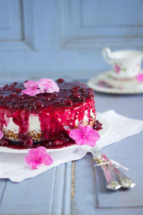 rote grütze kuchen rote grutze kuchen mit waffeln rezepte zum kochen