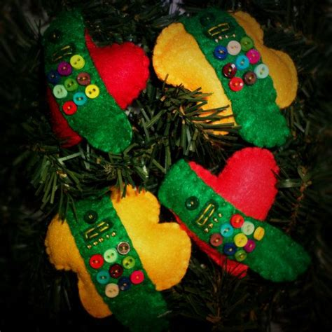 girl scout holiday ornaments craft 1000 ideas about scout sash on scout brownie vest brownie sash and