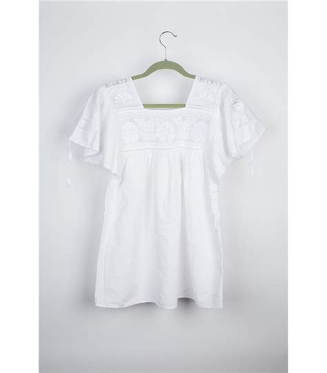 White Cotton Blouse Sm 30499 white cotton blouse with sleeved blouse
