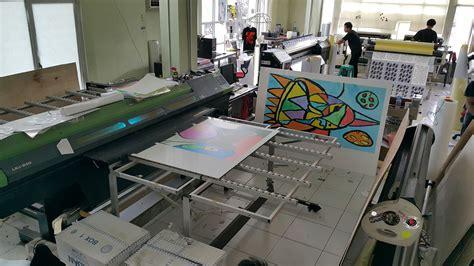Mesin Acrylic cetak acrylic ukuran besar menggunakan mesin uv ronita