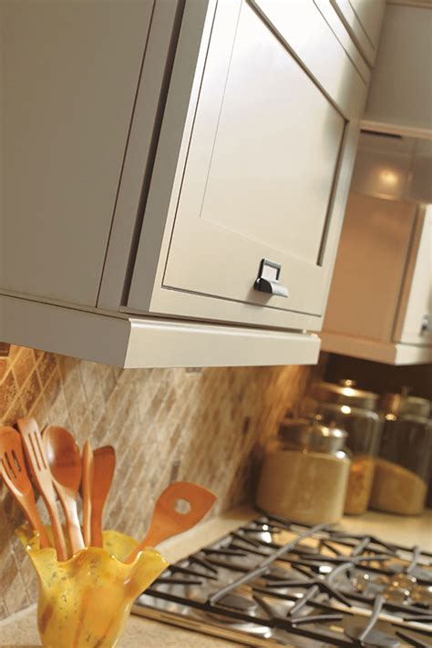 cabinet light rail molding traditional light rail moulding decora cabinetry