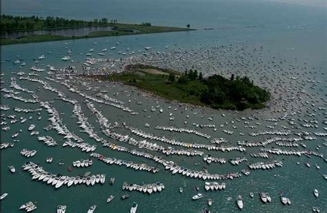 chicago scene boat party pictures lake st clair jobbie nooner i love me some michigan