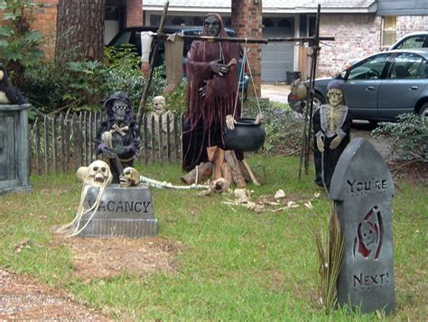 ideas outdoor halloween decoration ideas to make your 35 best ideas for halloween decorations yard with 3 easy tips