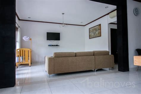 three bedroom for rent large villa with 2 storey in beachside central of sanur