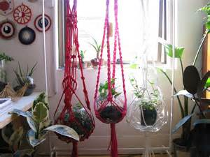 How To Macrame A Plant Hanger - macrame