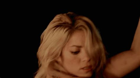 latin nipples imgur shakira is way too sexy for a 36 year old bodybuilding